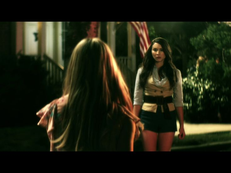 1x3 (flashback alison and spencer)