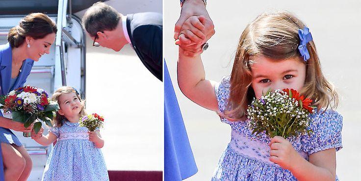 La Princesa Charlotte recibe en Alemania su primer bouquet oficial