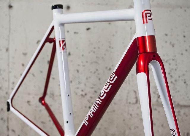 Z5i: Kandy Red // Silver Base Coat // Gloss White // Retro Logos