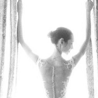 2016 - primo anniversario: Finestra d'Amore ❤️: // 2016 - 1st Anniversary: Window of Love ❤️ #wedding #bride #bridestory #makeupartist #beauty #beautyblogger #fashion #fashionblogger #hautecouture #light #style #soul #sposa #matrimonio #amore #love #photooftheday #instaphoto #beautiful #instagood #weddingdress #windows #nature #hairfashion #model #luxury #weddingday #smile #mermaid http://gelinshop.com/ipost/1524508849074466797/?code=BUoJLiWBe_t