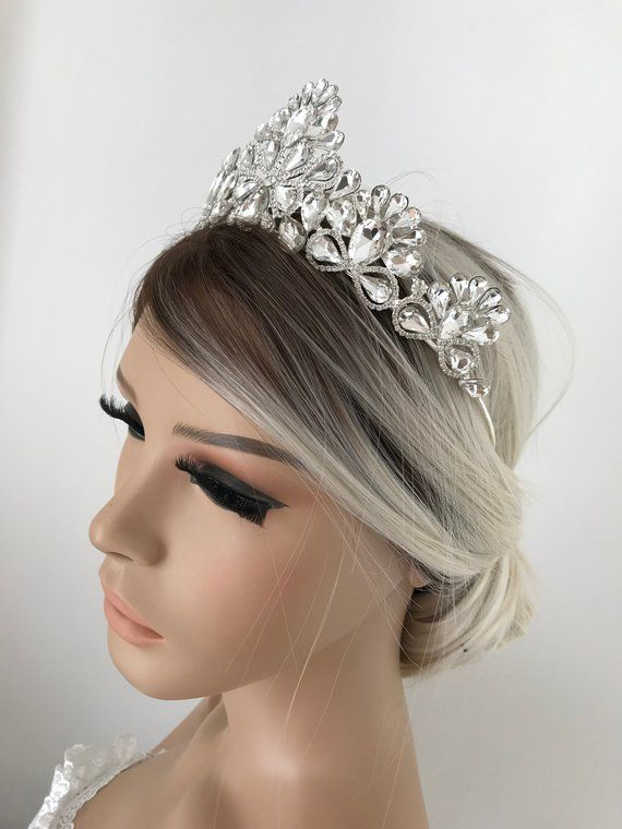 Swarovski Crystal Wedding Tiara Crown Tiara Bridal Tiara Etsy Crystal Wedding Tiaras Wedding Tiara Bridal Tiara