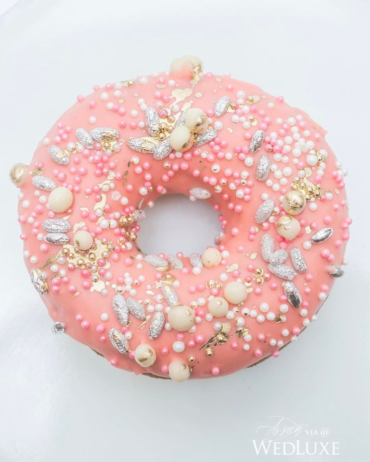 Beignets anyone? Sample these (beautifully designed) confections by Fine Cakes by Zahra and experience #wedding opulence at the #WedLuxeShow at #TheCarlu on Jan 15th. | WedLuxe Magazine | #wedding #luxury #weddinginspiration #luxurywedding #dessertdesign #dessert #doughnuts #donuts