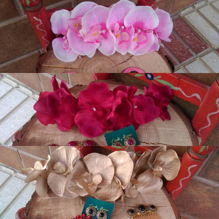 ❤ORQUÍDEAS❤#feria #flamenca #complementos #flores #ramilletes #coronasdelflores #pendientesdeflamenca #flor #flamencas #feriadeabril #feria #elrocio #canotier #wedding #tocadodeboda #tocados #coronas #tiaras #simof2017 #sombreros #simof  #pendientes #zapatos #sinfiltro #conchialcaraz #modaflamenca