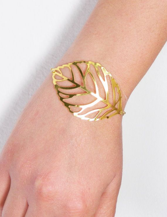 Gold filigree leaf charm bracelet Nature by BarakaCustomJewelry