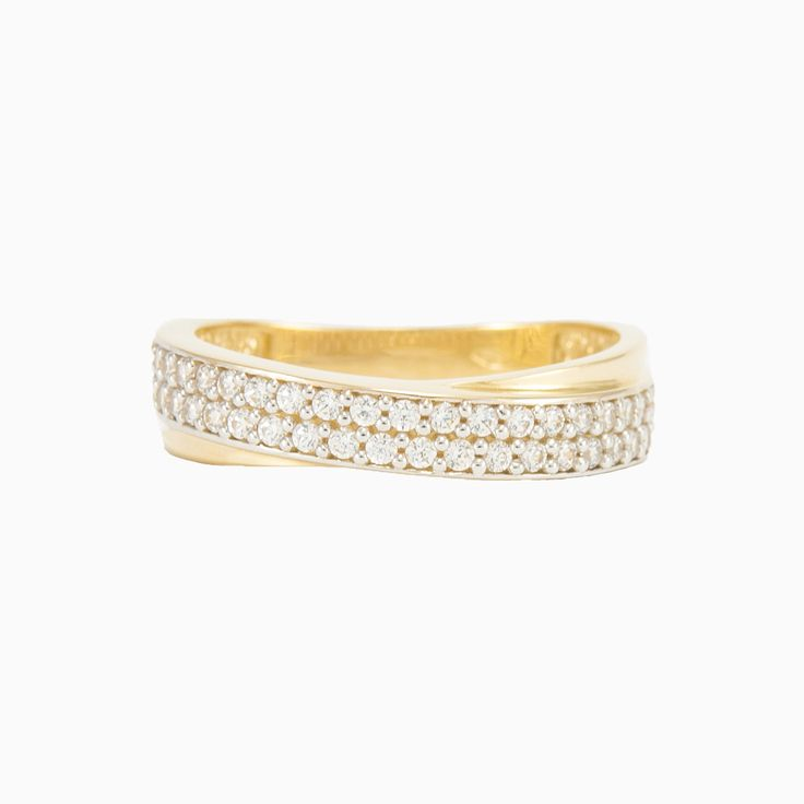 Double-row ring in 14k gold with crystals.