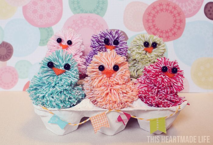baby chicks made with bakers twine :)Easter Chicks, Twine Easter, Crafts Httpbitlyhaa1Cq, Crafts Httpbitlyhiwrzt, Twine Chicks, Baby Chicks, Crafts Httpbitlyhdrmbg, Bakers Twine, Colors Chicks