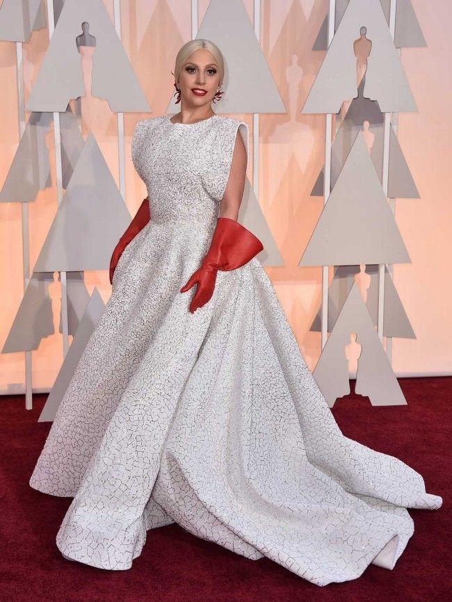 87th Academy Awards: Oscars 2015 red carpet : Lady Gaga in custom Azzedine Alaia