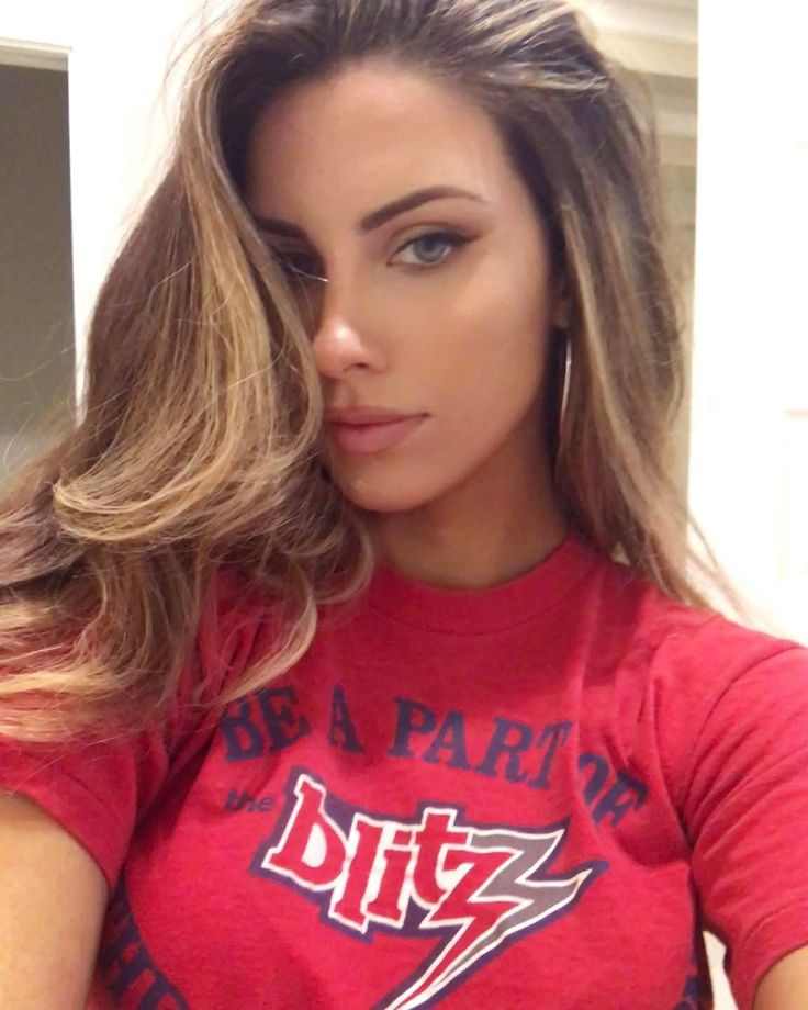 "8,852 Me gusta, 92 comentarios - Katherine Webb-McCarron (@_katherinewebb) en Instagram: ""New hair vid comin soon y'all"""
