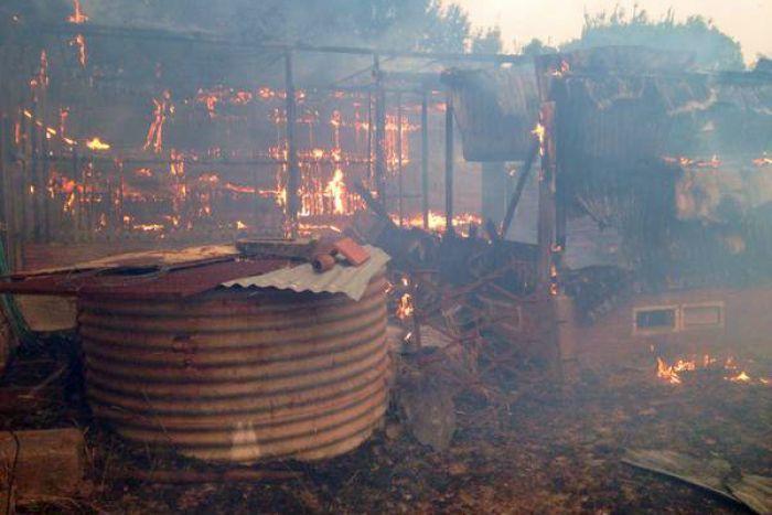 Bushfire destroys shed in Kersbrook