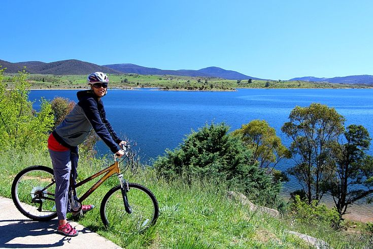 Biking at Lake Jindabyne, Australia