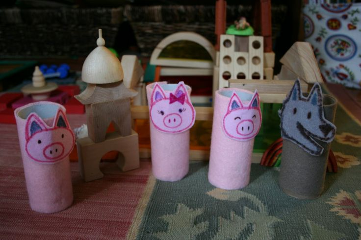 Fairy Tale Crafts Preschool | Pink and Green Mama: * Homemade Three Little Pigs Finger Puppet Set