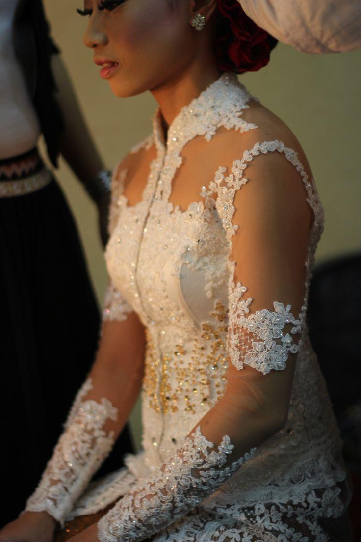 KEBAYA - Indonesian Traditional Dress for Women