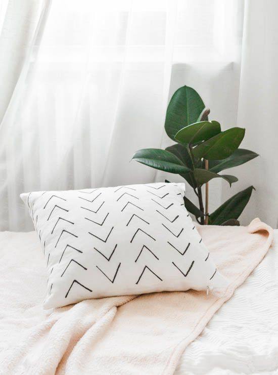 Passion Shake | DIY Tribal Pattern Cushion | http://passionshake.com