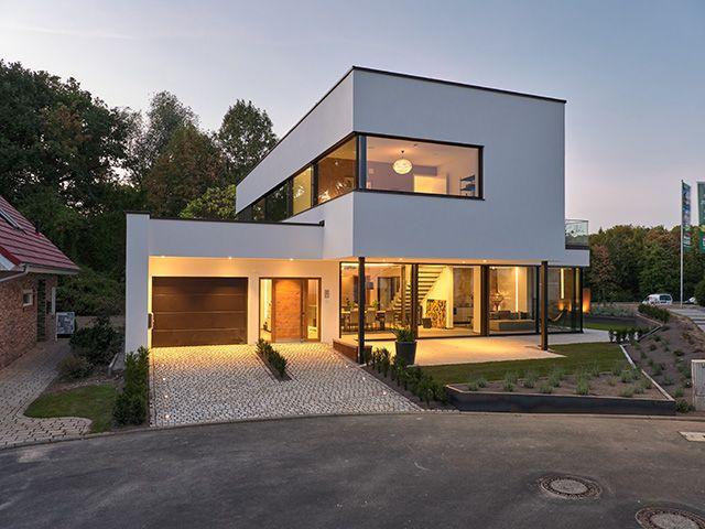 """Musterhaus """"core"""" in der Ausstellung Eigenheim und…"""