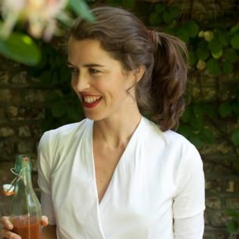 Susan Jane White is a specialist cook and food columnist with The Sunday Independent. A former president of Oxford University's Gastronomy Society, she is a popular broadcaster on health and nutrition. She lives in Dublin with her husband and two little boys.
