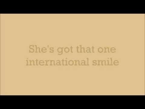 Katy Perry - International Smile (Lyrics) - YouTube