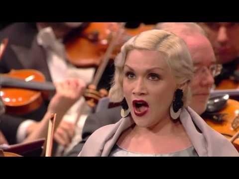 ▶ Carmen Giannattasio Casta diva Norma 2014 - YouTube