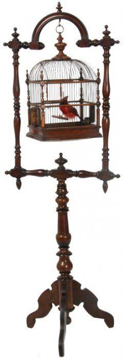 Victorian Walnut Birdcage Stand : Lot 79