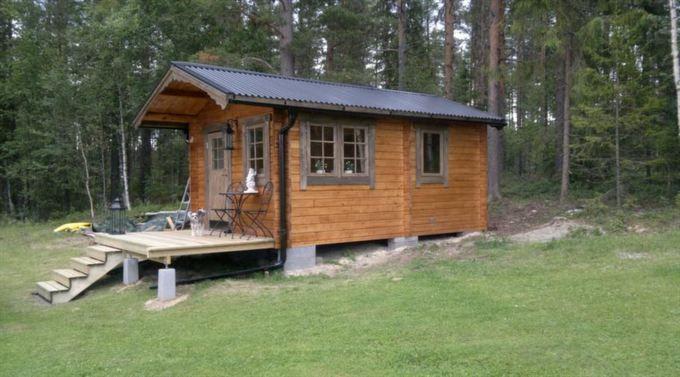 6. Sorselestugan FRIGGEBOD 15, 2 RUM<br>Man kan ha två våningssängar i sovrummet och ett allrum på cirka åtta kvadratmeter alternativt en köksdel.