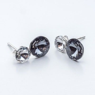 Swarovski Rivoli Earrings 6/8mm Crystal + Silver Night  Dimensions: length:1,5cm stone size: 6mm and 8mm Weight ~ 1,60g ( 1 pair ) Metal : sterling silver ( AG-925) Stones: Swarovski Elements 1122 SS29 ( 6mm ) and SS39 ( 8mm )  Colour: Crystal + Silver Night 1 package = 1 pair