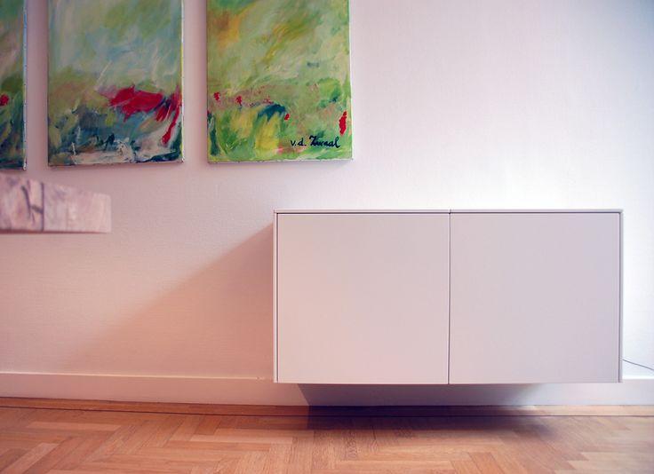 Klein maar fijn: een simpele, subtiele kast die niet opvalt in je interieur, maar toch al je rommel verstopt.