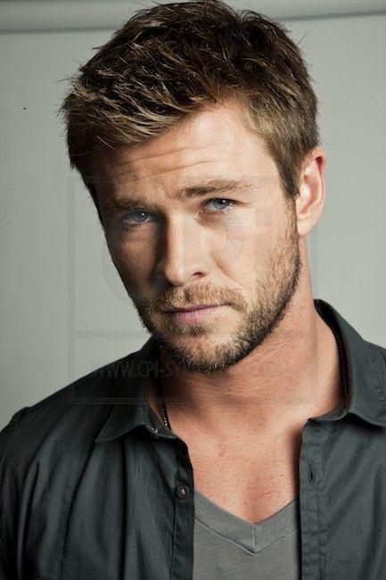 Hemsworth + Puppy dog eyes = cutest picture ever