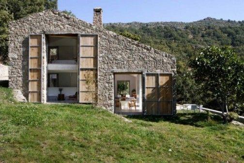 projekt: Ábaton Architects  Lokalizacja: Prowincja Cáceres, Hiszpania  Miejscowość: Guijo de Santa Bárbara http://sztuka-wnetrza.pl/1579/artykul/projekt-wnetrza-w-zgodzie-z-natura