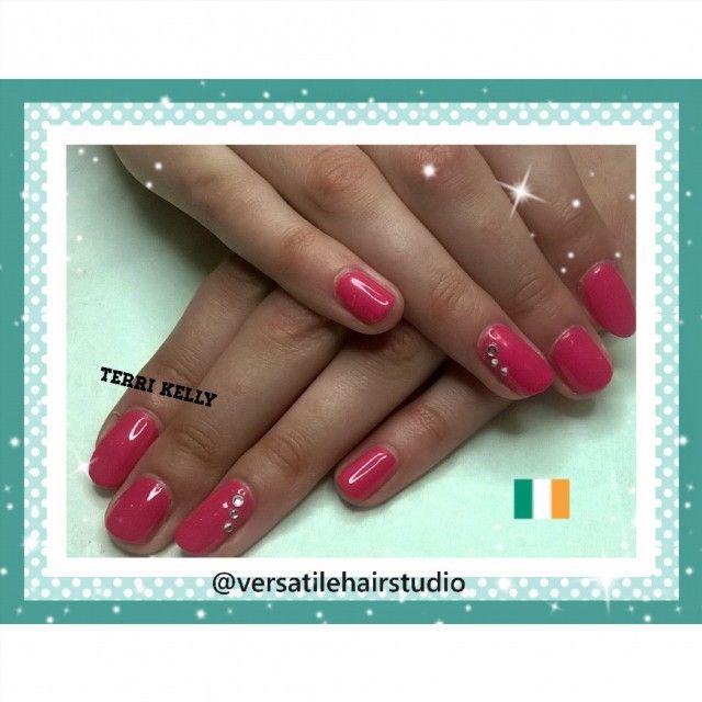 #ibd #gerberdaisy #ibdgerberdaisy #naturalnails #gelpolish #instanails #nailsofinstagram #nailstagram #nailswag #sociallightscollection