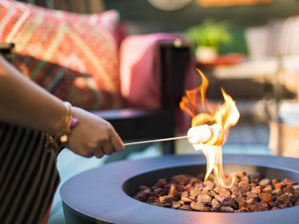 Host a cozy outdoor gathering this fall using an abundance of seasonal recipes, warm textures and relaxed seating your guests will love. From the experts at HGTV.com. >> http://www.hgtv.com/design/make-and-celebrate/entertaining/10-tips-for-an-outdoor-fall-party-pictures?soc=pinterest