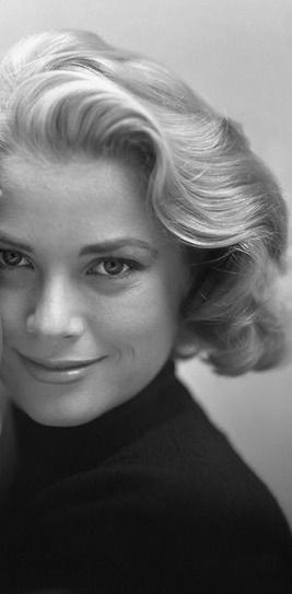 Grace Kelly portrait (cropped).......maybe someday I could pull this off with a few extensions to make my hair seem thicker!
