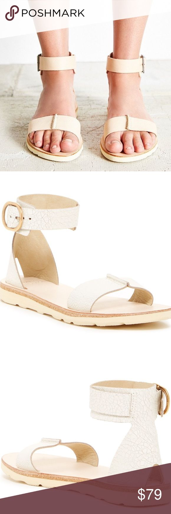 REEF 'Voyage' Sandal (NEW) NEW with tags/no box.   True to size.   - Open toe - Vamp strap with split seam - Textured leather construction - Adjustable buckle ankle strap  - Grip sole - Imported Materials Leather upper, leather lining, manmade sole Reef Shoes Sandals