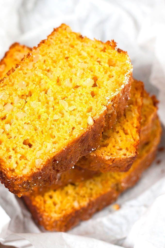 Saftiger Karottenkuchen mit Apfelmus. Schnell, leichter und unglaublich lecker - http://Kochkarussell.com #werbung #Diamant #MarkenmehlistdasAahundOoh #backmomente