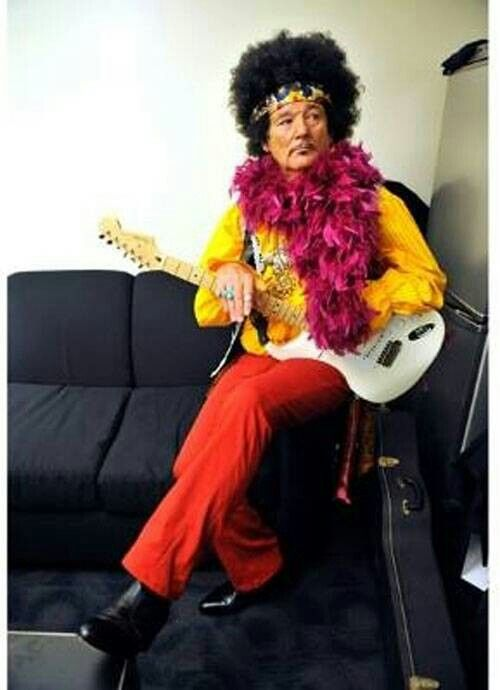 Bill Murray. Is that his Jimi Hendrix or Prince look? Don't know, but too funny and I love him! How would you like to be in a band with him?