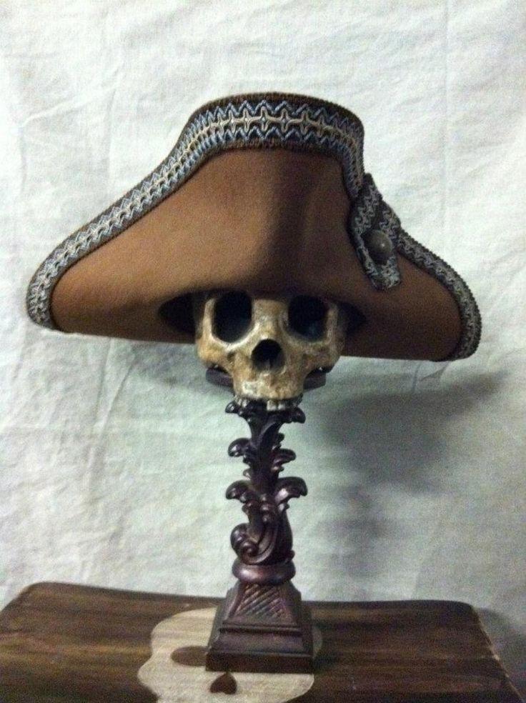 Rob pirate hat