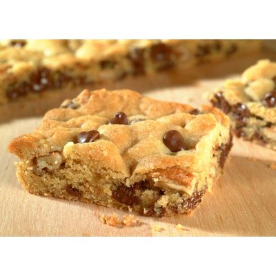 Original NESTLÉ® TOLL HOUSE® Chocolate Chip Pan Cookie (Easy; 4 dozen cookies) #chocolate chip #cookies