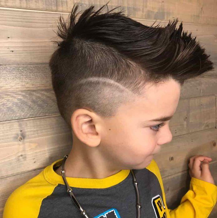 Jungs Frisuren 2019 Kinder Idees De Coiffures Coiffure Faux Mohawk