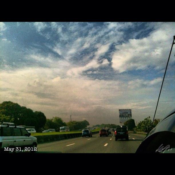 一服終了 #laguna へGo!! #slex southbound #highway #sky #cloud #philippines #フィリピン #高速道路 #空 #雲