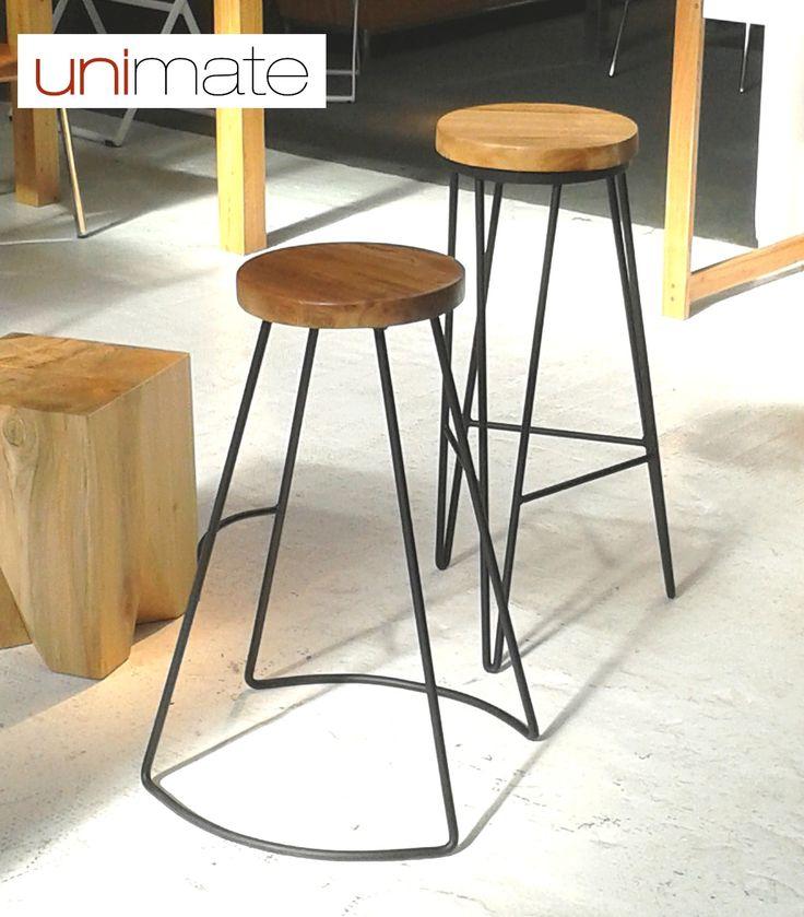 Nuevos banquetas con asiento en madera maciza y base de for Modelos de sillas de hierro