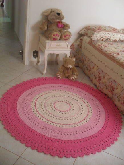 Tapete de barbante redondo na medida de 1,50 metro de diametro,vc pode escolher as cores que combine com sua decoração! R$ 400,00