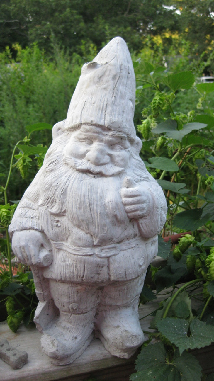 1000  images about garden gnomes and statues on pinterest