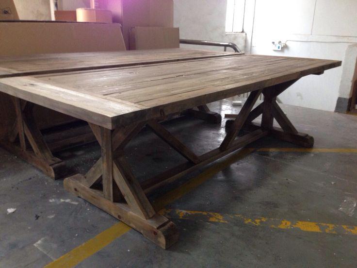 Deze #houten #boeren #eettafel hebben we bijna binnen. Staat ook gaaf in een modern interieur. Meer inspiratie volgt...