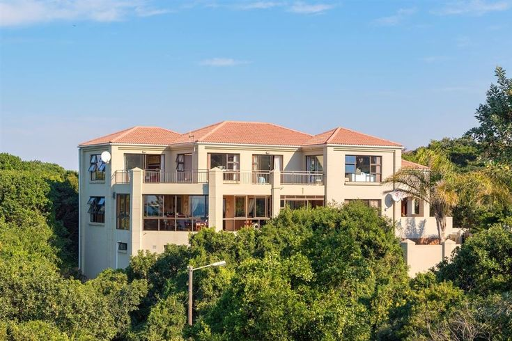 Luxury Home on the Beachfront in Port Alfred #Harcourts #PortAlfred #BuyingaHome