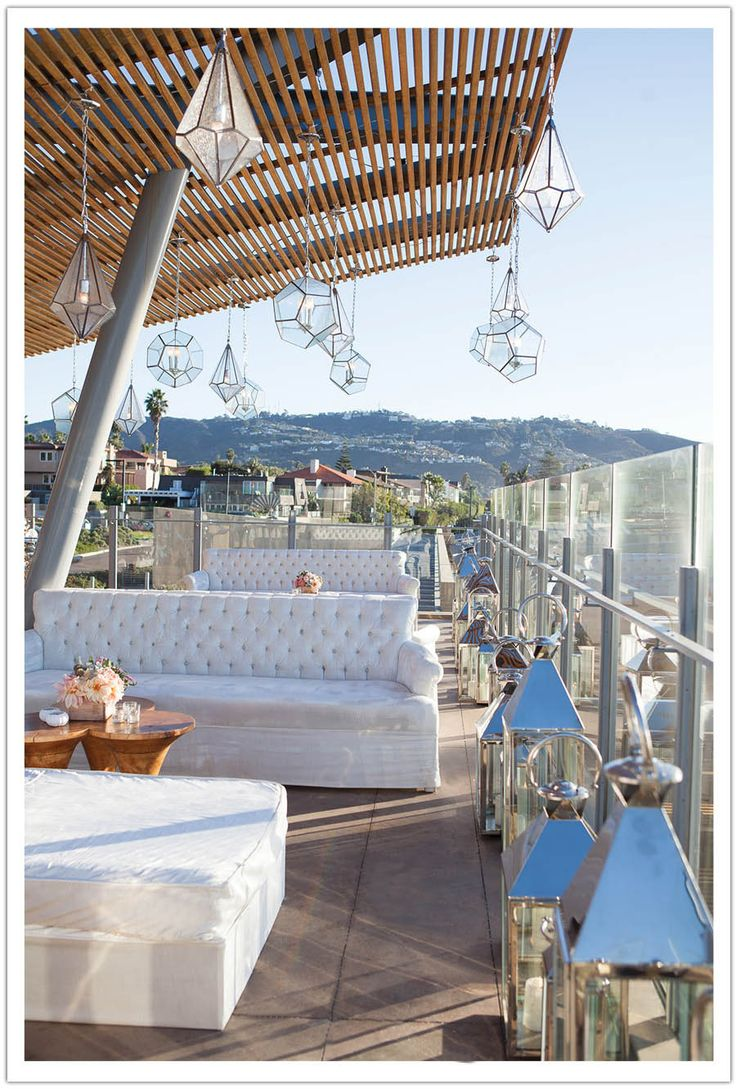 White Lounge Furniture Design By Alchemyfineevents Modern Luxe La Jolla Beach Wedding