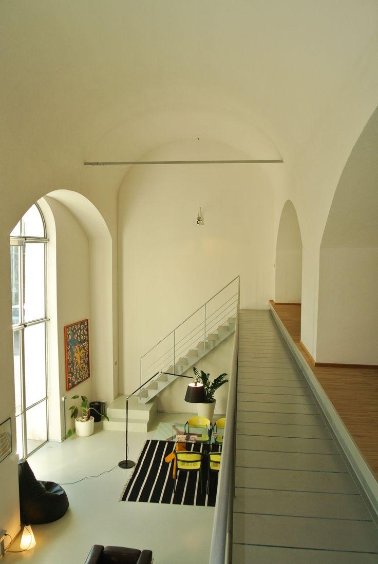 Abbiamo progettato il nostro studio su due livelli, all'interno di un ambiente unico #loft #architettura #interior