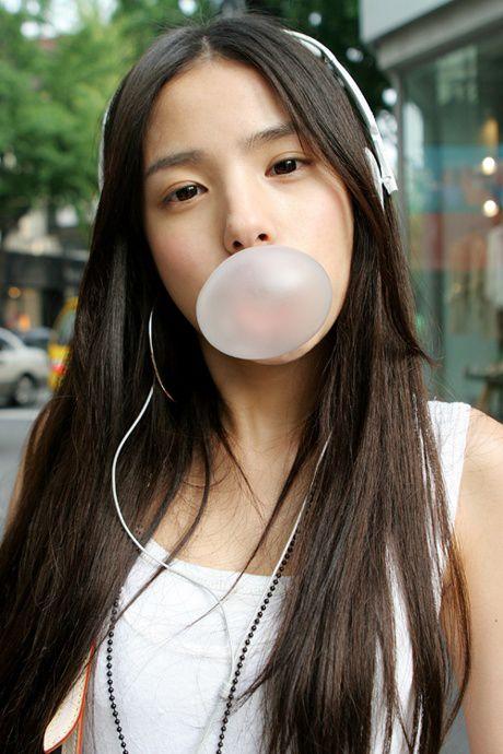 画像 : ヘッドフォンかイヤホンで音楽を聴いてる可愛い女の子写真集! - NAVER まとめ