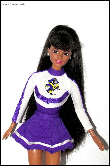 Aya w Świecie Lalek: University Barbie AA 1996