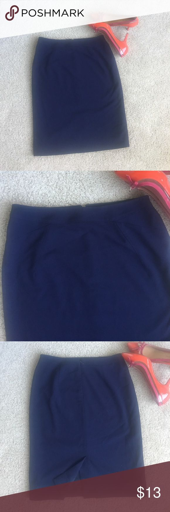 """Antonio Melani navy blue pencil career skirt Cute Navy blue skirt by Antonio melani , cute design infront see pics . Invisible back zipper, black slit. Length 22"""". Fully lined. Size 4 . Great condition ANTONIO MELANI Skirts Pencil"""