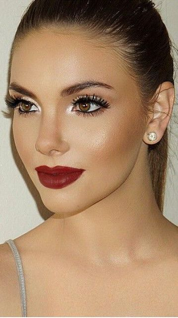 beautiful, breath-taking classic makeup look