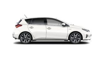 Louer une voiture compacte à Nice avec Greenrent. Toyota Auris Hybrid.