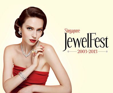 #SGTravelBuddy Hari 2 Belanja perhiasan untuk pasangan biar doi makin cinta dan lengket kayak smartphone dan powerbank. Singapore JewelFest 2013 -  Don't miss the 11th edition of the most extravagant luxury jewellery affair in Asia.